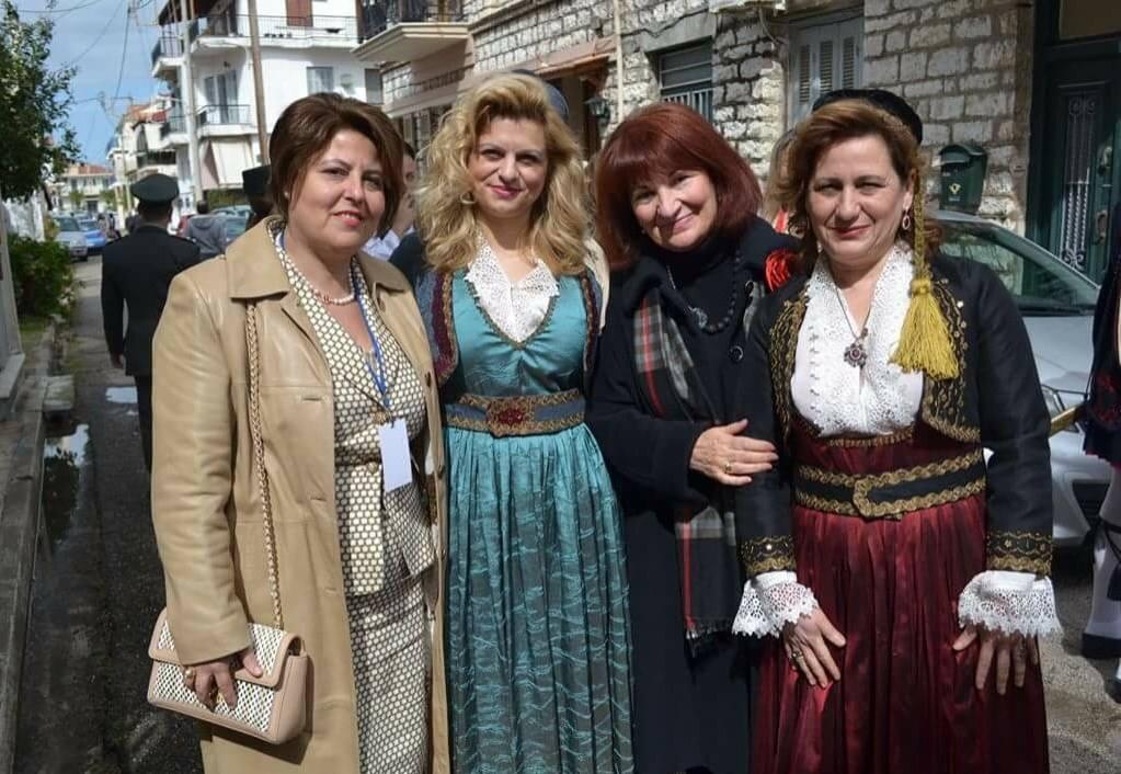Με ιδιαίτερη χαρά και τιμή, είχαμε μαζί μας την Αρχαιολόγο, κ. Ολυμπία Βικάτου, Προϊσταμένη Εφορείας Αρχαιοτήτων Αιτωλοακαρνανίας και Λευκάδος, η οποία κρατούσε το λάβαρο της Βυρωνικής Εταιρείας.