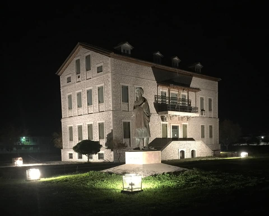 Φωταγώγηση Βυρώνειου κτηρίου